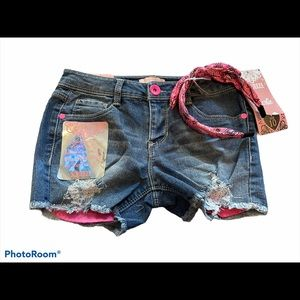 Squeeze girls exposed pocket jean shorts